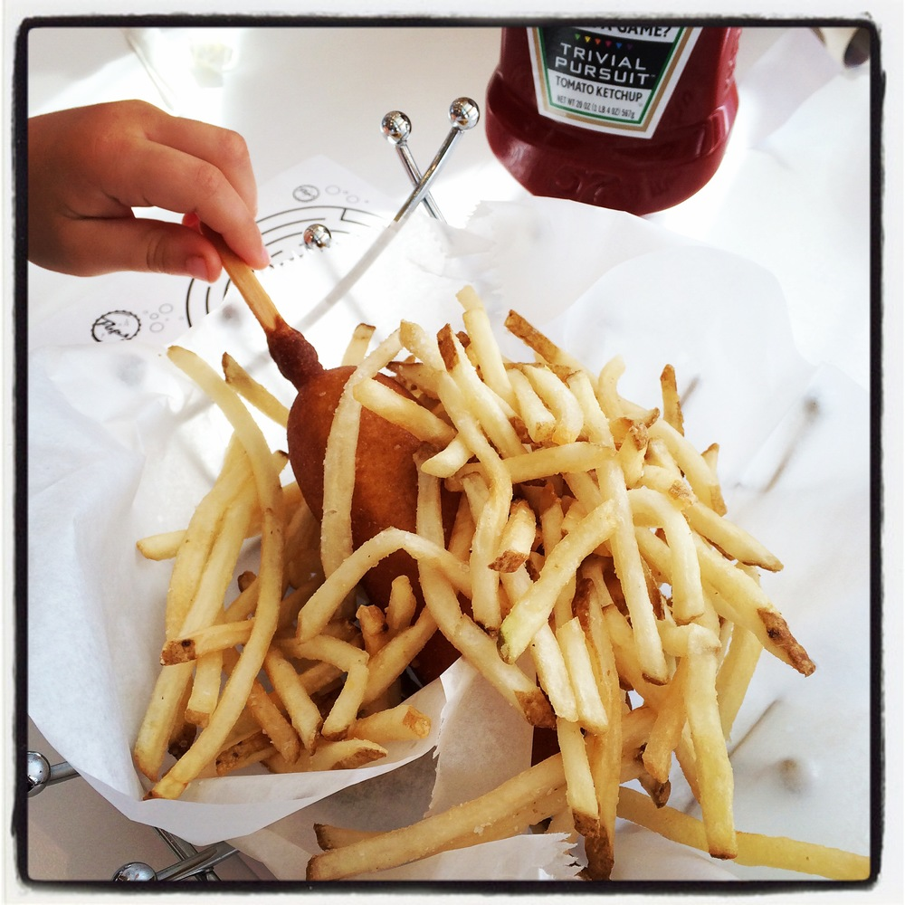 KIDS CORN DOG - with a generous portion of fries