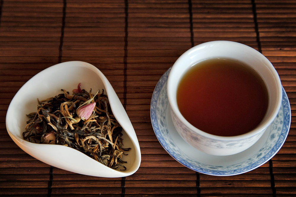 Tea Review: Rose Dian Hong Black Tea - TeaVivre