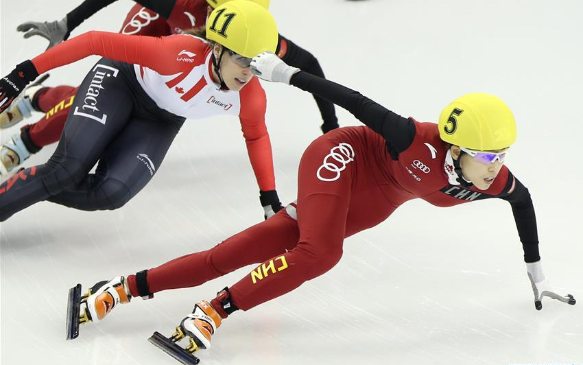 female speed skaters.jpg