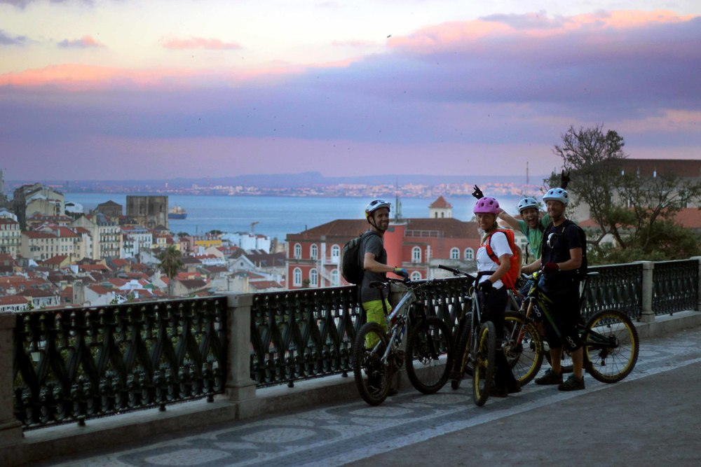 Lisbon Night Ride, let's go!