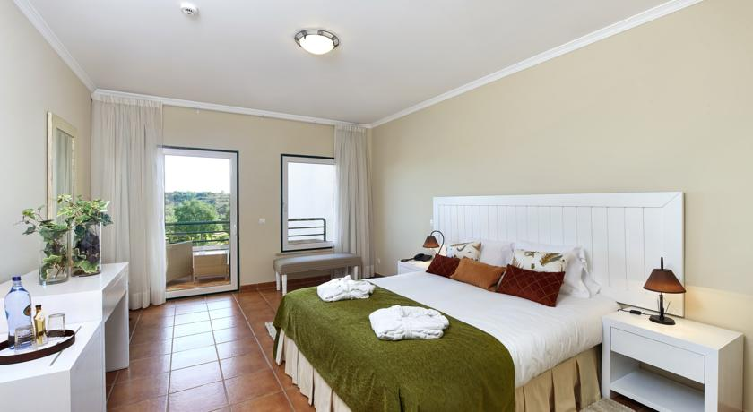 ALGARVE: option 1 with restaurant, free wi-fi, air conditioning, spa and swimming pool