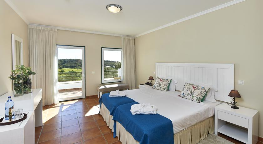 ALGARVE:  option 4 with restaurant, free wi-fi, air conditioning, spa and swimming pool