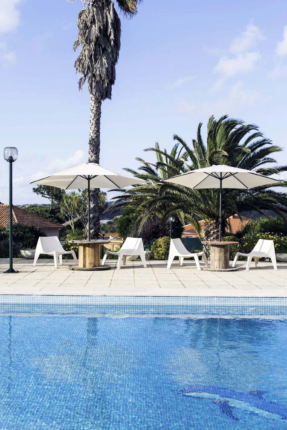 SINTRA: option 2 with free wi-fi, swimming pool, sauna and jacuzzi