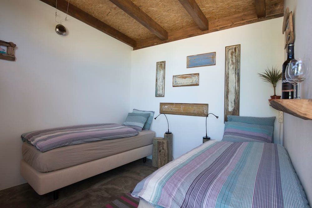 SINTRA: The Lodge (free wi-fi, swimming pool, sauna, jacuzzi)
