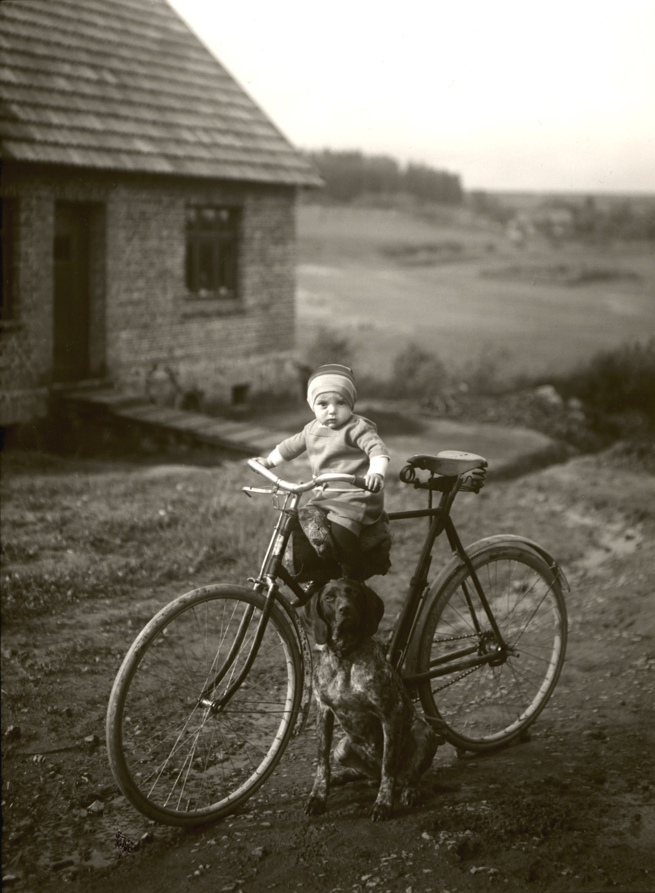 houkgallery :     August Sander (German, 1876-1964) Forester's Child, Westerwald, 1931