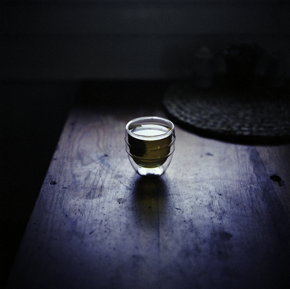 lensblr-network :     tea light. | hasselblad 503cx 80mm f2.8 | kodak portra 400nc expired | cara farnell   by  tumbleweedineden.tumblr.com