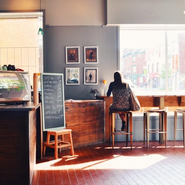 Cafe vibes (at Café Replika)