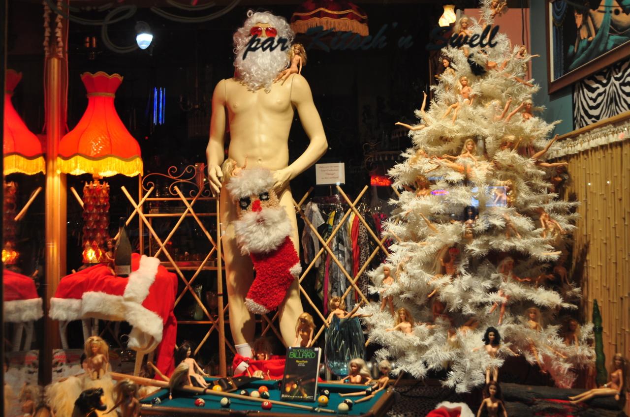 Naked Santa (c) LTYC