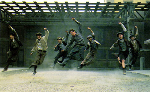 randominternet :     newsies dance