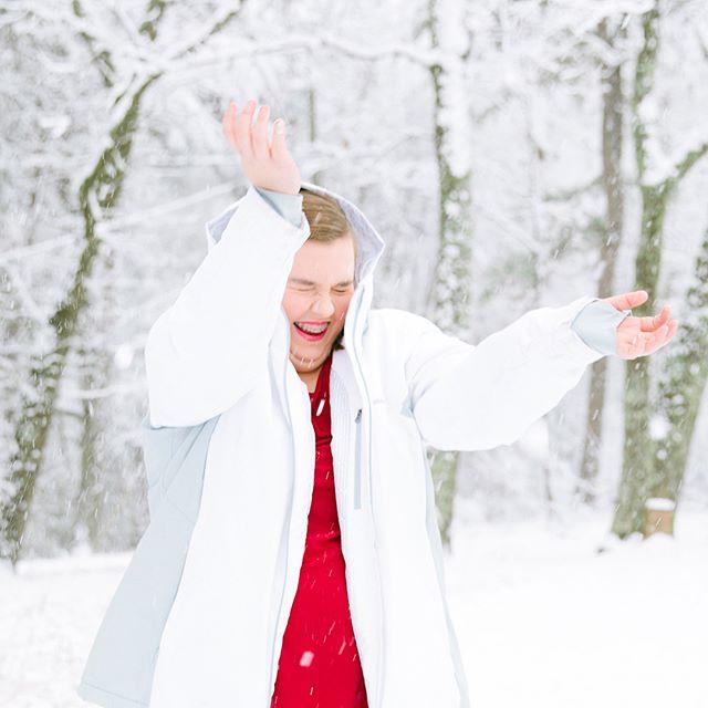 #stillpearlphotography #northgaweddingphotographer #seniors #seniorpictures #snowday2017 #lisacruikshank #jtown #jaspergeorgia #letitsnow
