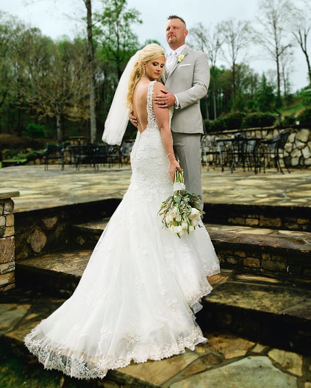 #Rainyweddings #brideandgroomphotos #BallGroundGeorgia #likethedazzling #Thegreystoneestate #lisacruikshank #stillpearlphotography #atlantaweddingphotographer #jaspergeorgia #weddingdress #northgeorgiawedding