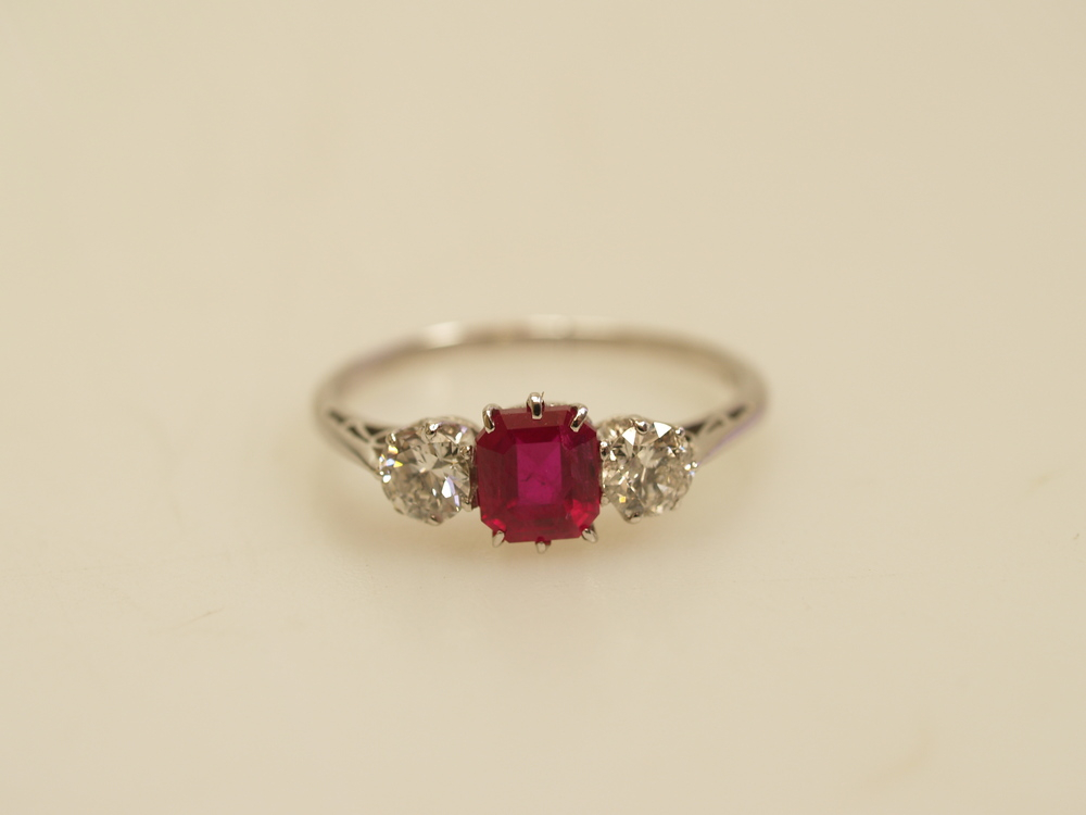 Fine quality Antique Ruby Ring