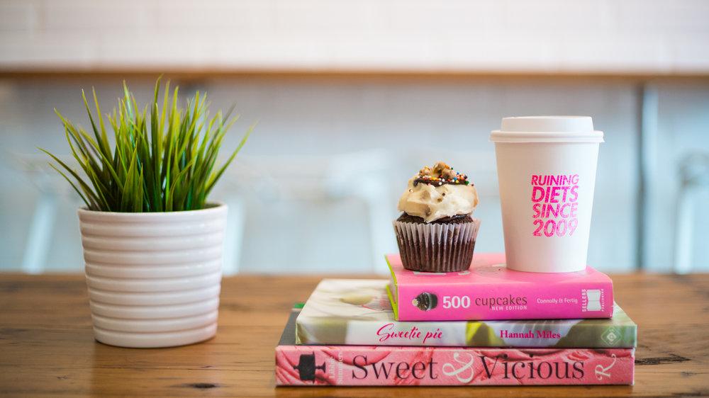 edibles - @shortandsweetcupcakes