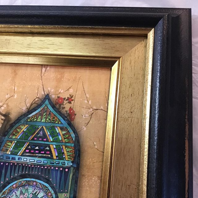 "This what can happen when you combine two frames. In this case a gold ""Studio"" moulding from #lionpfs sits inside a dark brown moulding with a gold lip from #farnegroup - the end result is about 10cm (or 4"") wide. Check out the artwork by the very talented #wisepeopleart"