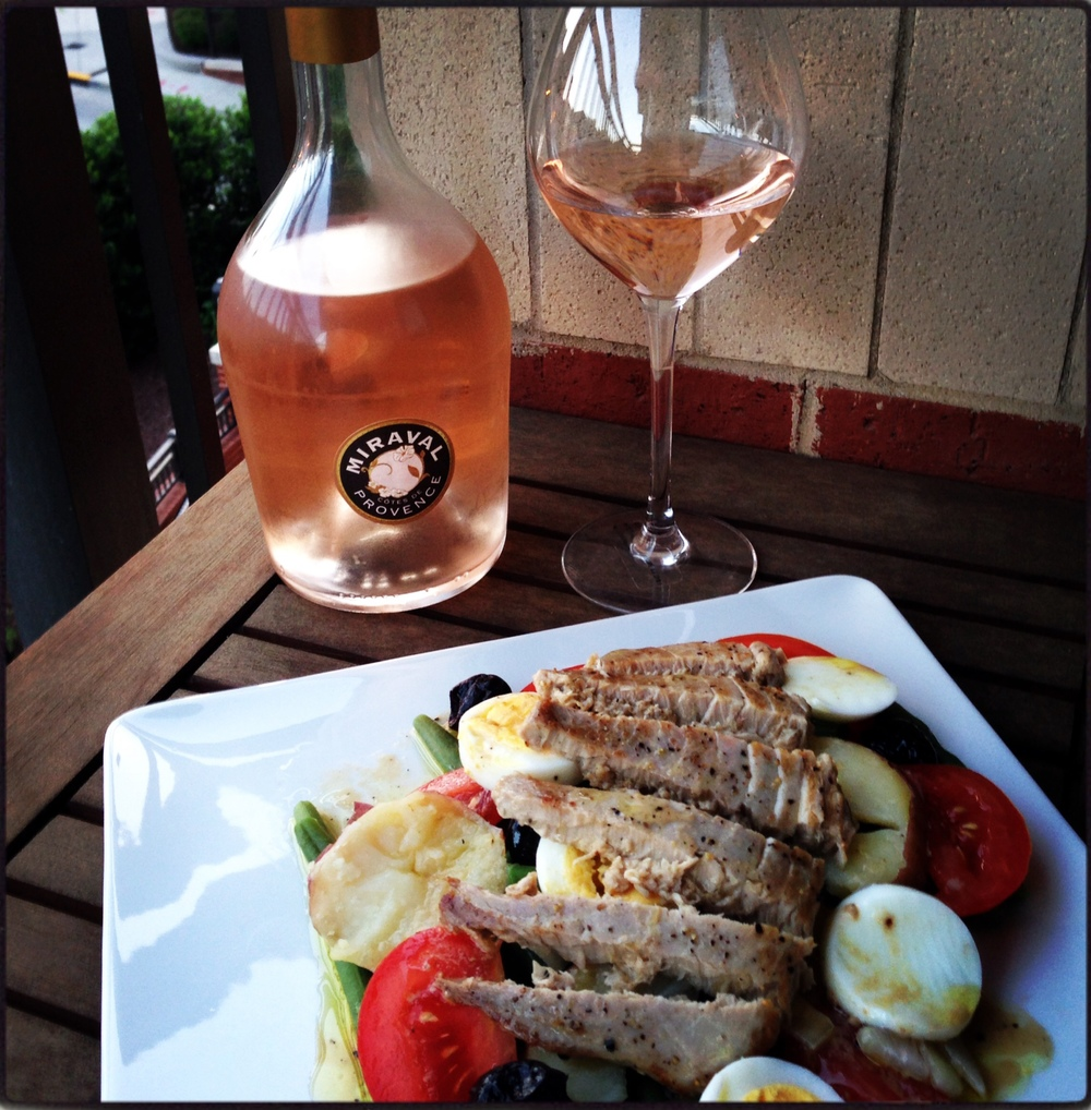 Salade Niçoise with a glass of Miraval Rosé
