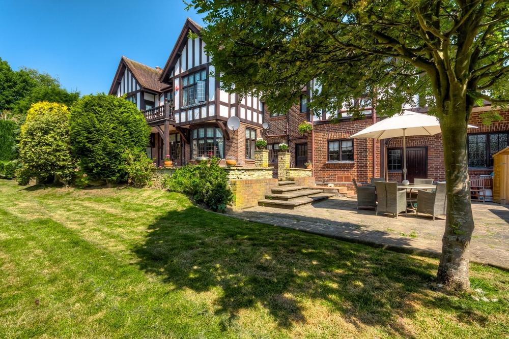 Tudor House 01.jpg
