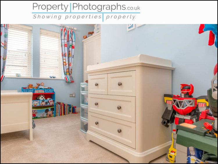 Property Photographs vs Standard Agent Shot - Kid's Bedroom