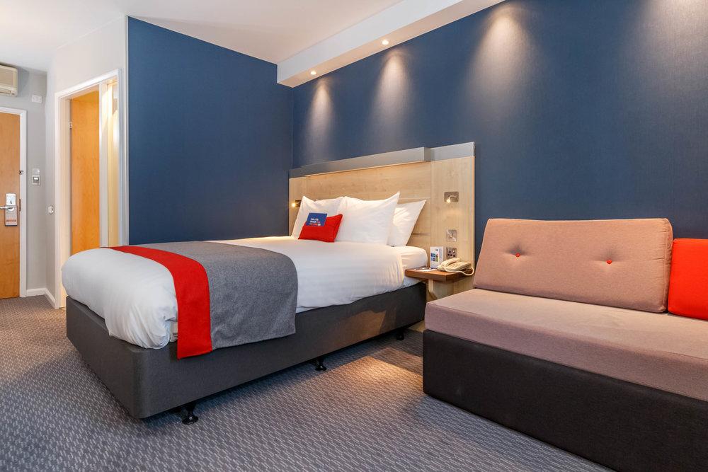 Holiday Inn Express Walsall Room Types 025.JPG