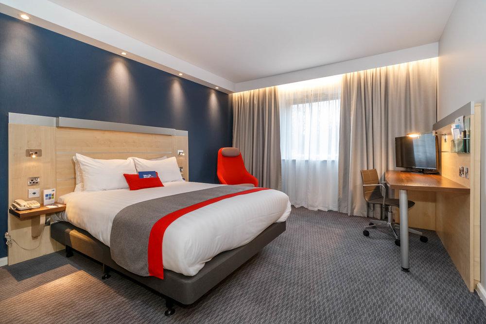 Holiday Inn Express Walsall Room Types 001.JPG