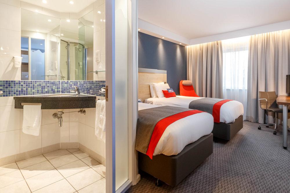 Holiday Inn Express Walsall Room Types 019.JPG