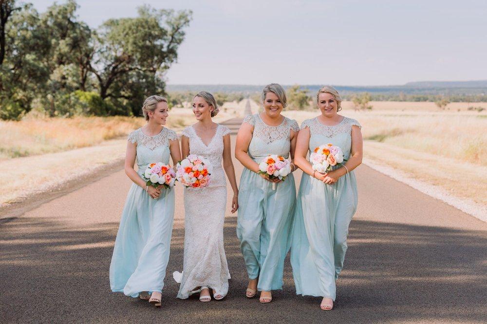 Phoebe & Brenton_Narrabri Wedding Photography 33.jpg