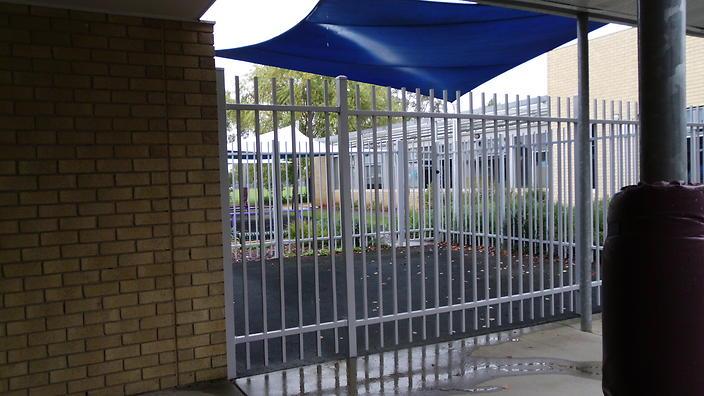 Cage restraint