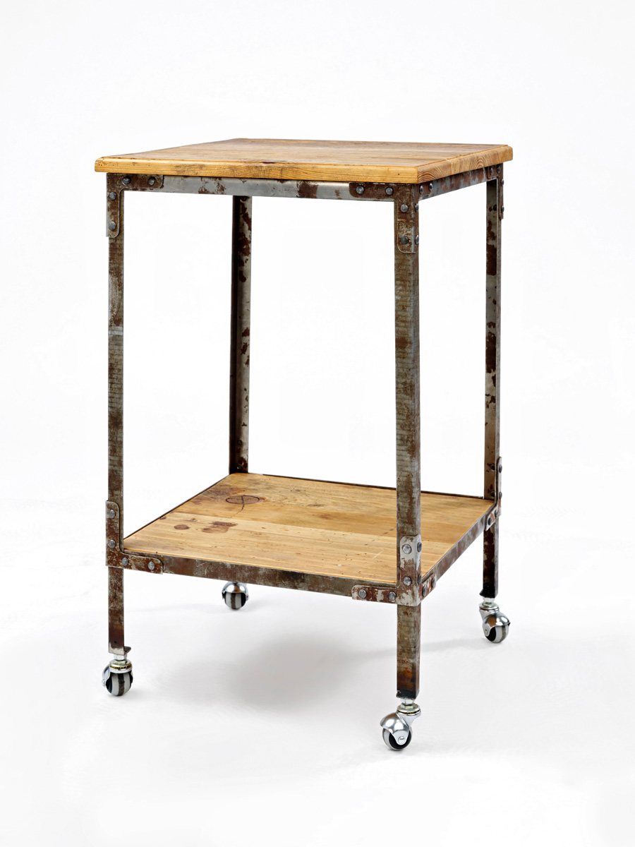 (rE-fiT) N   44 x 44 x 66  Small sidetable
