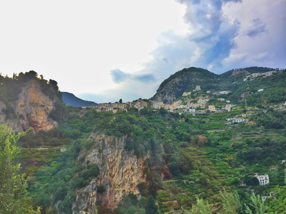 Driving through the cliffsides to Ravello