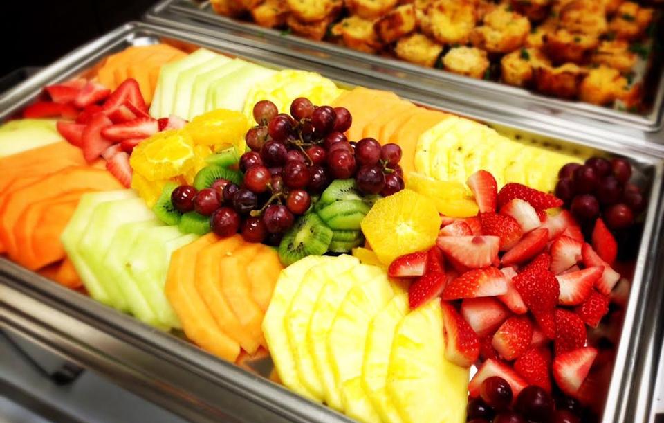 Hand-cut Seasonal Fresh Fruit Mélange