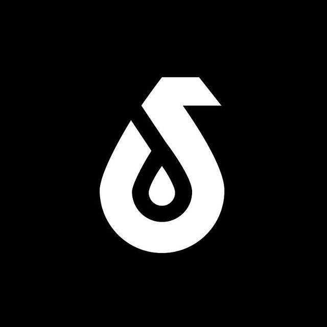 This brand right here, brought from a still and quiet season, into a journey that brought all of my worlds together and encouraged my belief in big and impossible things. I'll have to tell you more about @daggasous in increments. Don't want to blow your mind all at once. In the meantime this logo has incredible depth and meaning... and the brilliant @andrewxchen patiently whittled this symbol.
