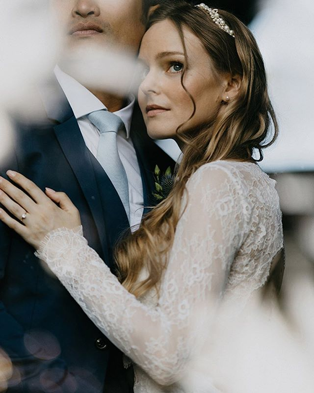 Wow wow 💕 Beyond gorgeous photos from real bride Tanya in our MARLENE topper from @bhldn photo @niravpatelweddings cc: @tanyaleighart ✨✨ #elleandjae #bridalaccessories #bhldnbride #bridaltop #realbride
