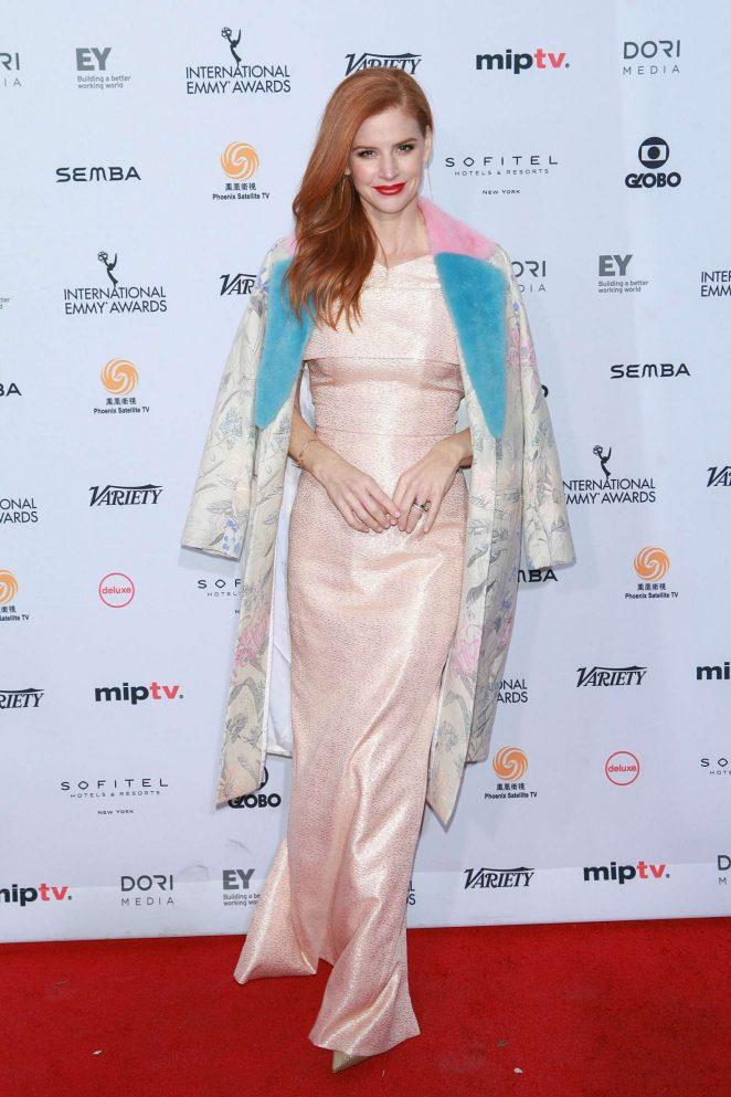 Sarah-Rafferty--44th-International-Emmy-Awards--10-662x993.jpg