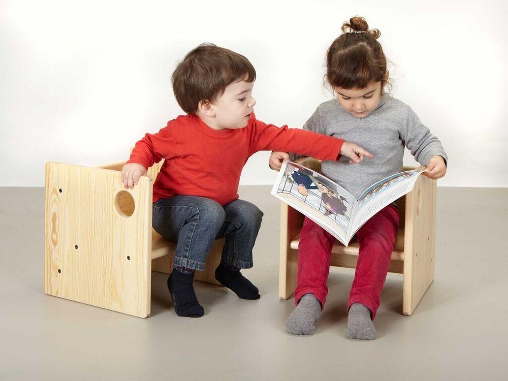 Aquesta cadireta, que permet tres alçades diferents, és el producte estrella d'Ergokids.