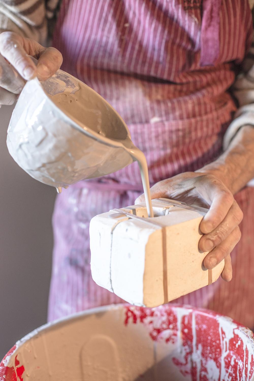 silbando-bajito-ceramica-artesanal-ilustrada.jpg