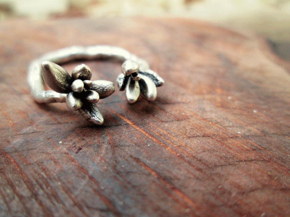 arteria-joieria-botanica-anell-sedum.jpg