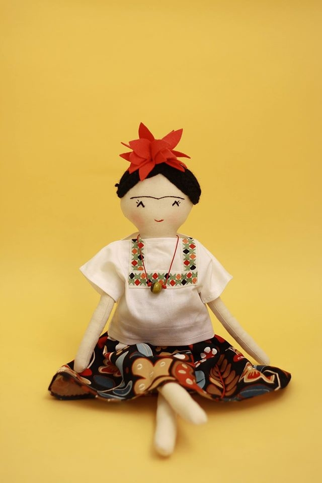 estrella-dolls-nines-drap-frida-khalo-2.JPG
