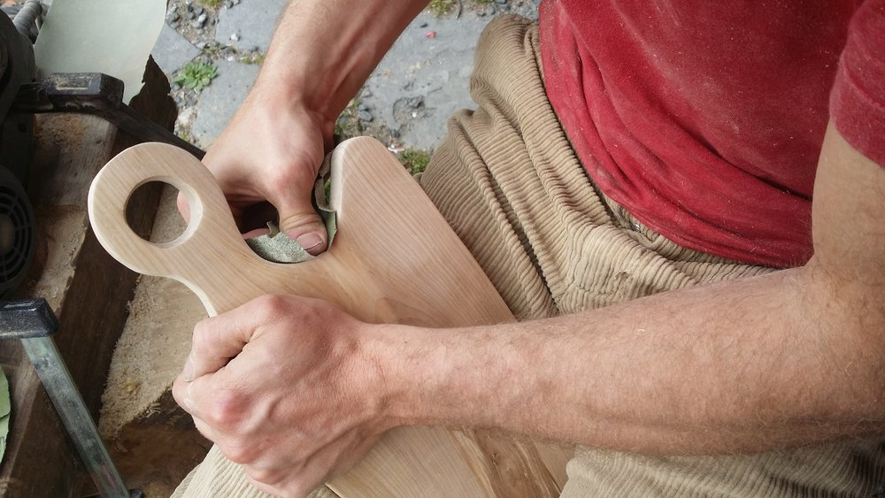 taula-de-taller-petit-taller-de-muntanya-fusta-pirineus.jpg