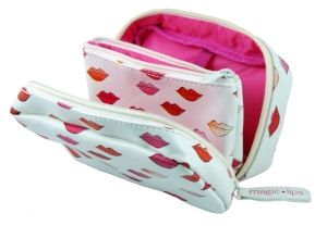 'Lips' Make Up Bag