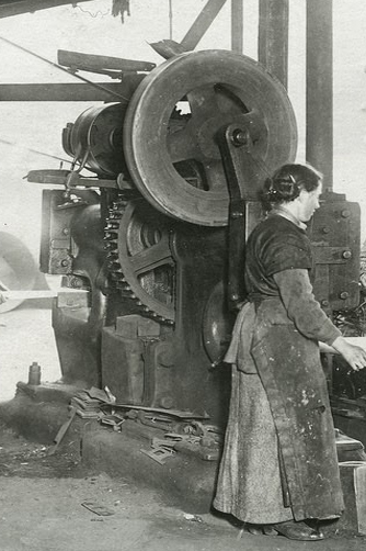 An example of the large punch shearing machine that G.H. Varley purchased in 1926.