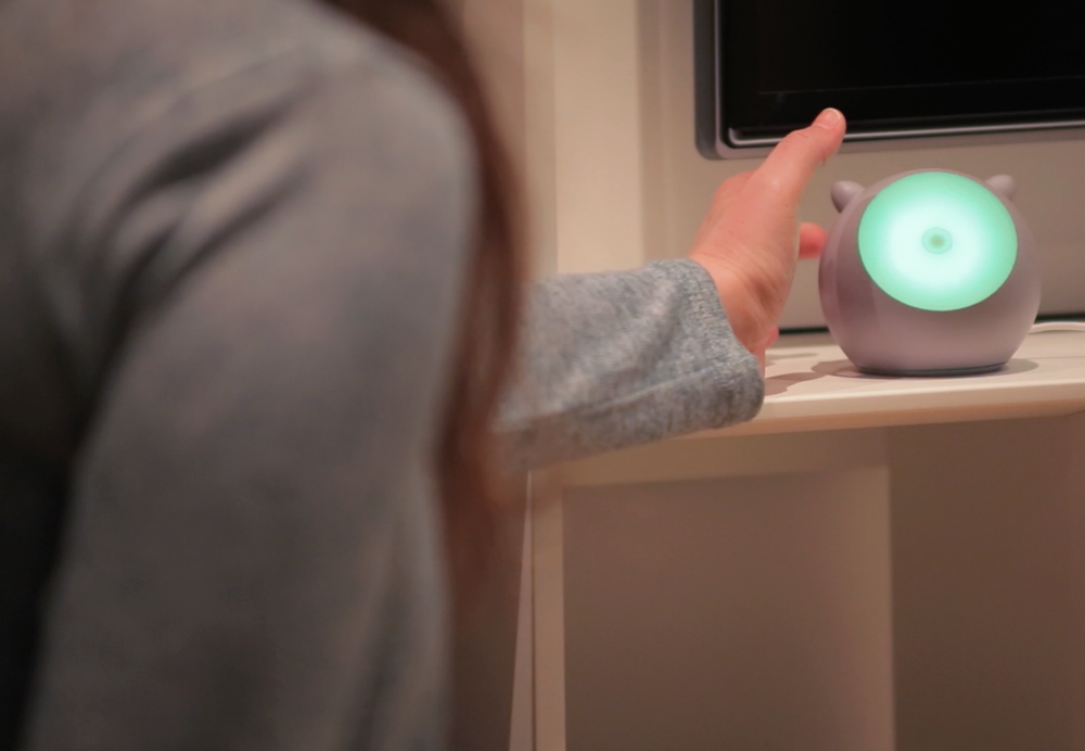 MOTI is a personable new smart object that helps you form better habits.    Count Me In