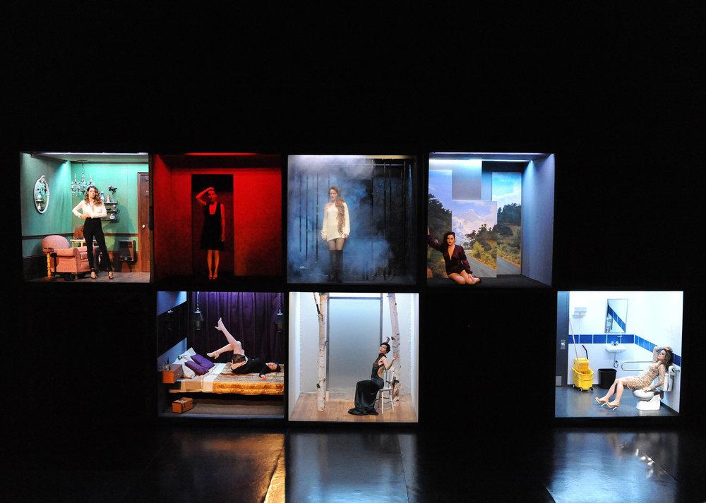 La fureur de ce que je pense. Scénographie Antonin Sorel, costumes Catherine Chagnon,lumière Mikko Hynninen.Photo: Caroline Laberge