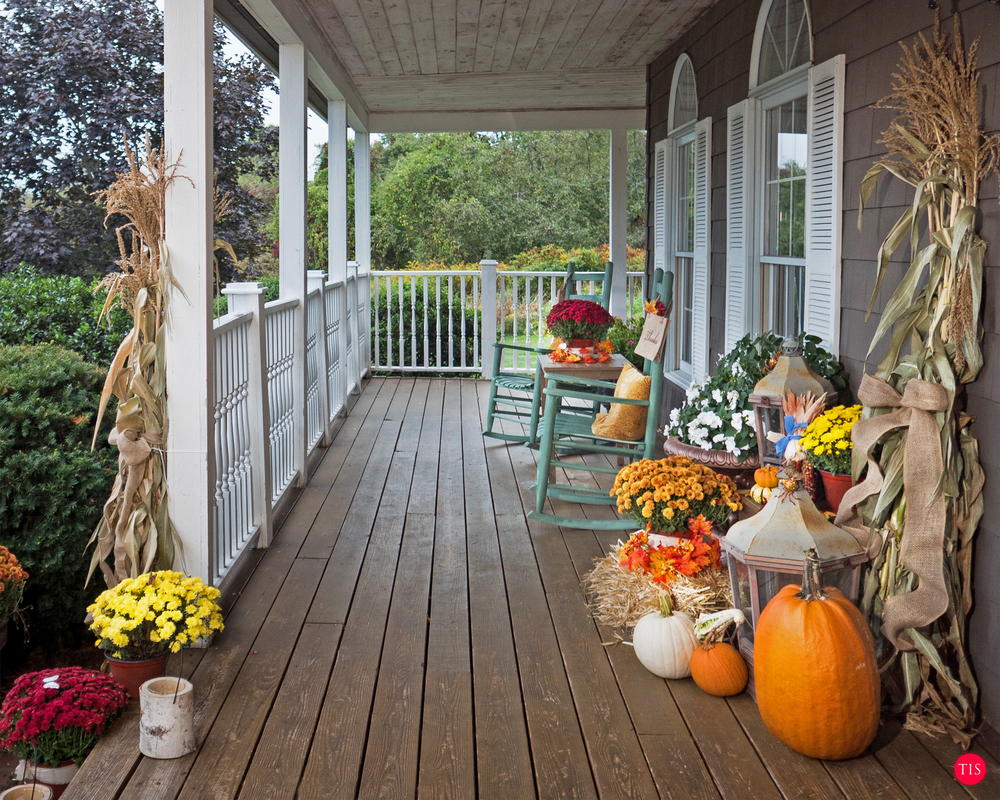 Fall Decor for the Porch