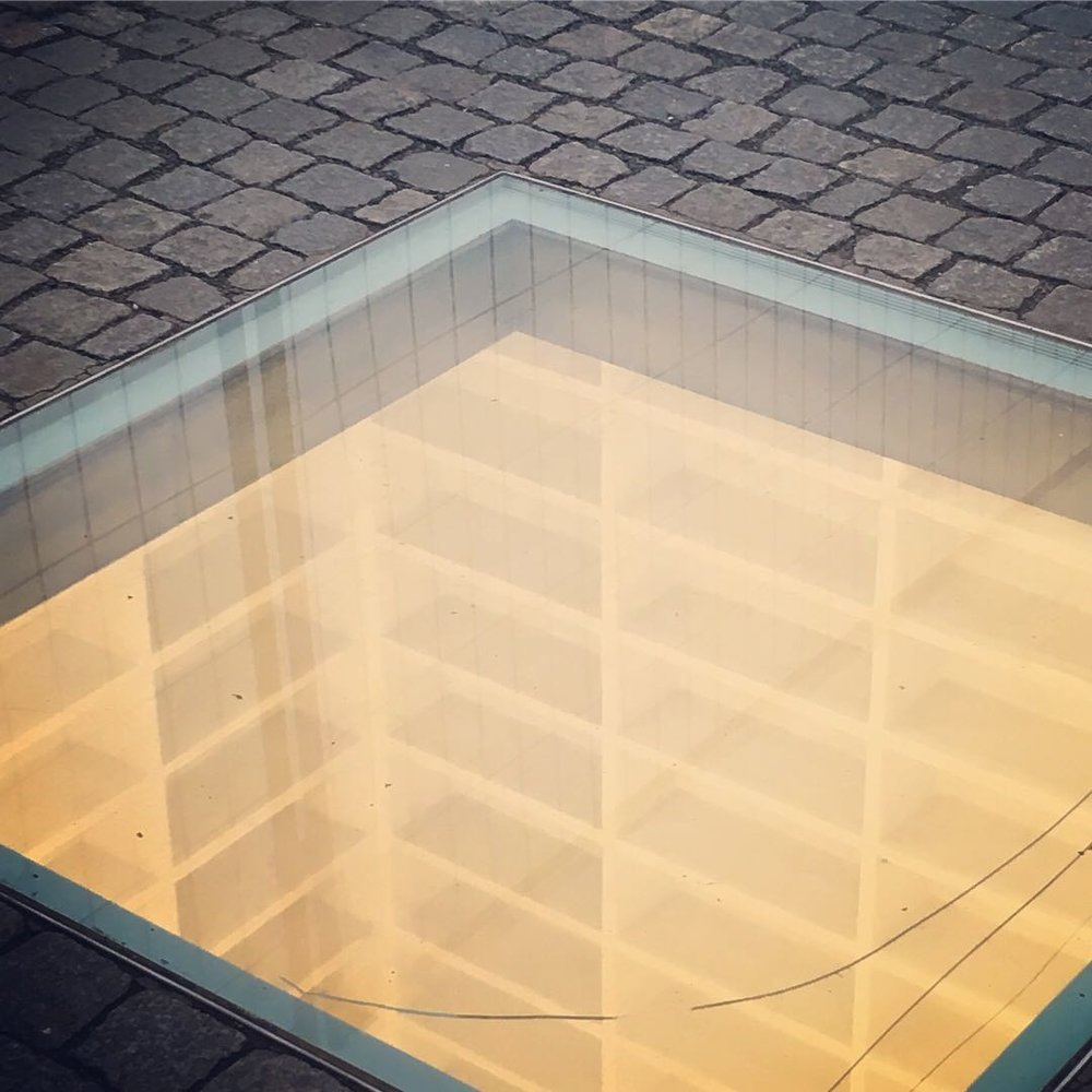 Micha Ullman's sunken library, a memorial to the May 1933 book burning at Bebelplatz