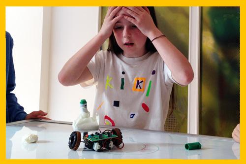 De 'Push Button' robot tekent een cirkel