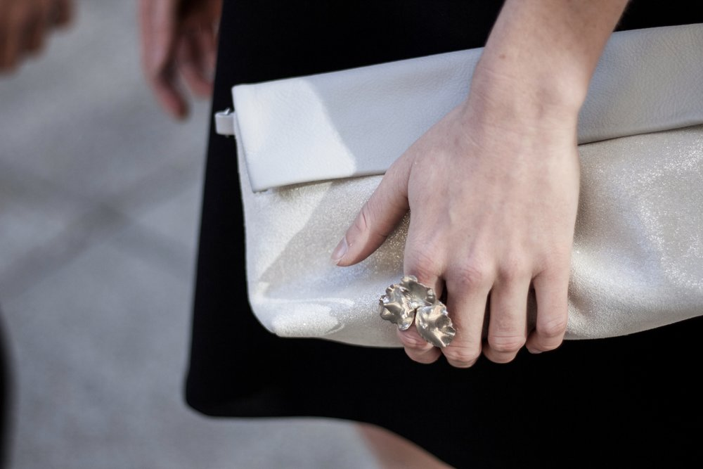 CLUTCH: RIPAUSTE POUCH, RING: SCHADE