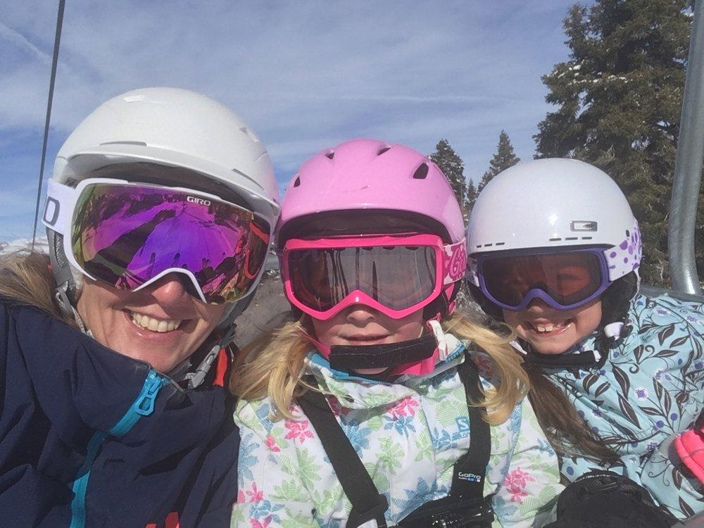 Ski Girls.JPG