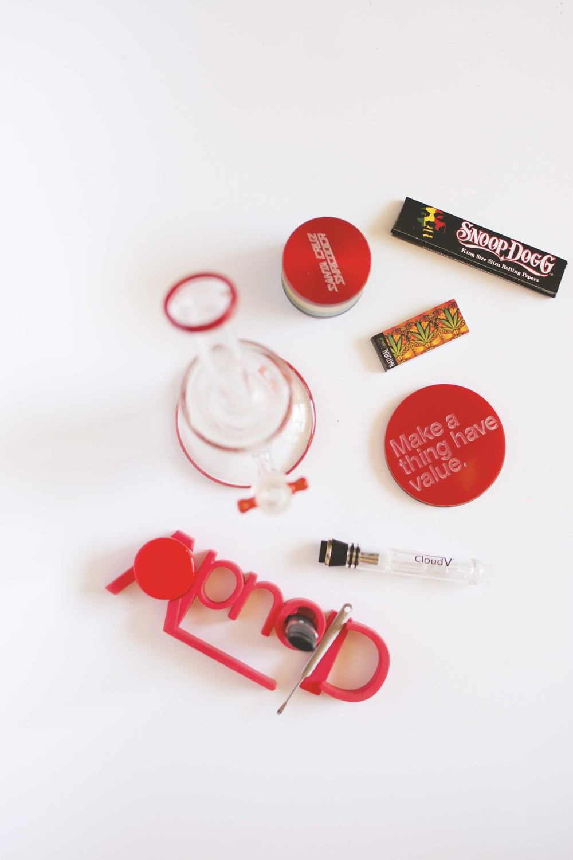 Rojo:  CloudV Stand /  CloudV Dabber  /  CloudV Platinum Essential Oil Vaporizer + Aqua Bubbler Attachment  /  Grace Glass Limited Edition Bong Set  /  Santa Cruz Shredder Grinder  /  Matter Coaster (gifted)
