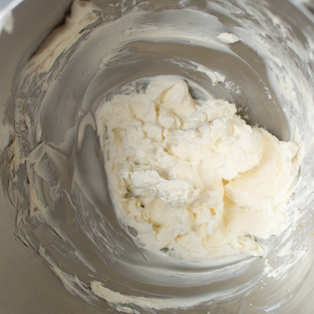 6. Clean bowl, then mix together cream cheese, vanilla, and sugar. Beat until well incorporated.