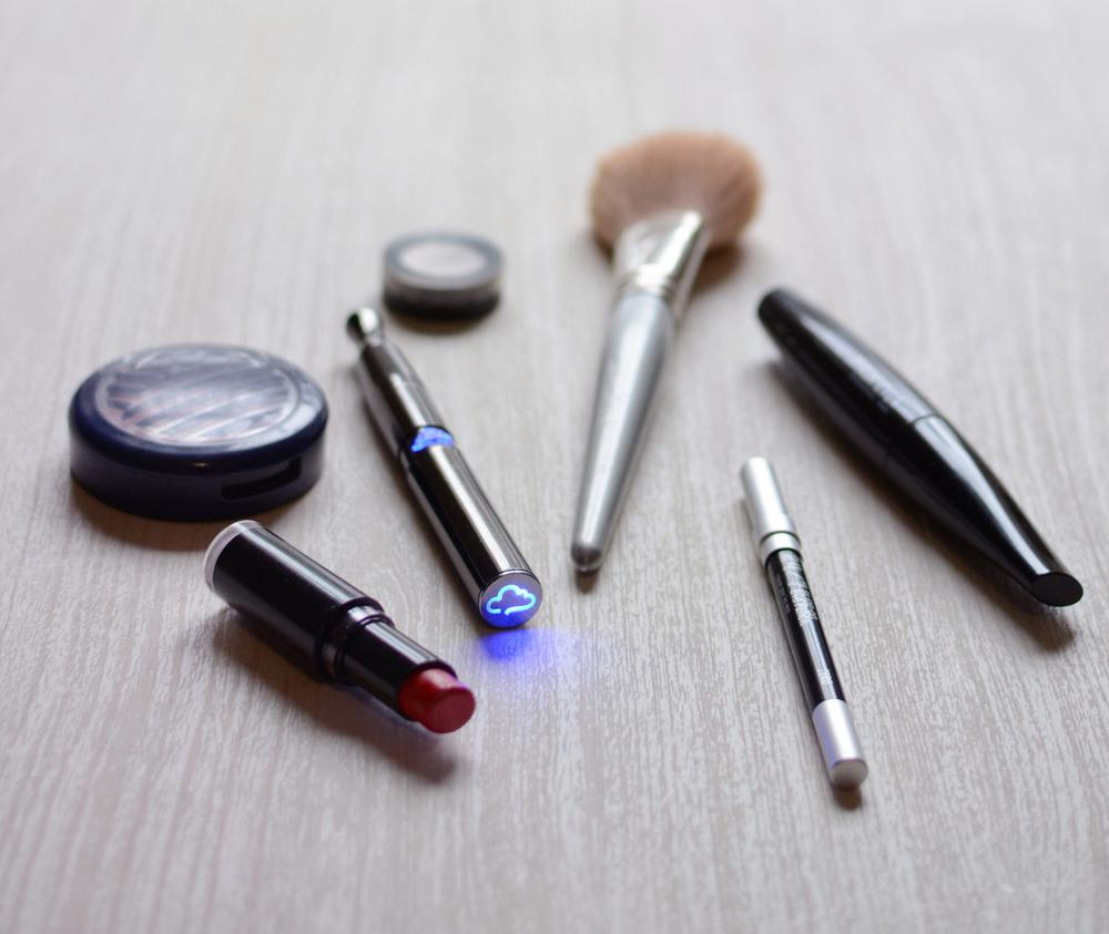 makeup-2-puffco.jpg