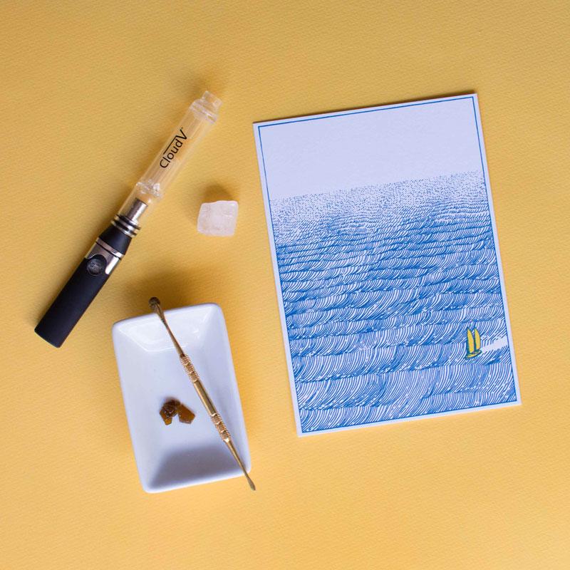 holstee-vape-crystal-800px.jpg